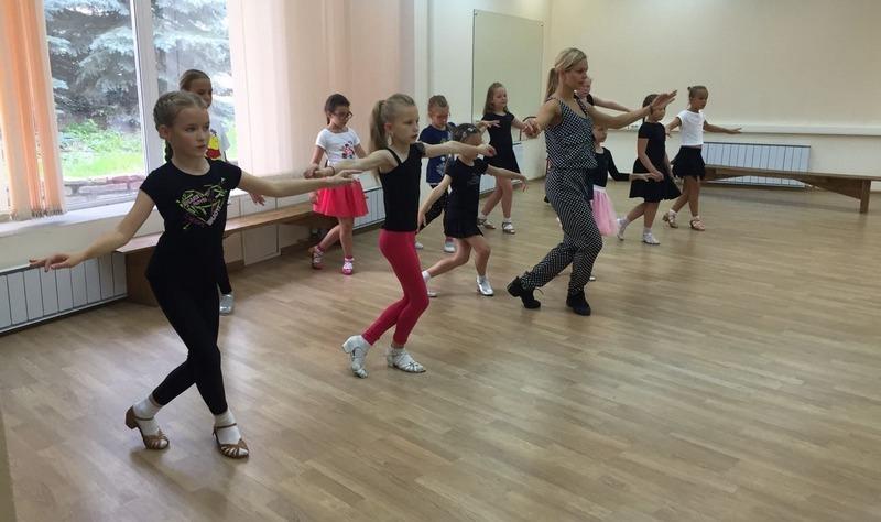 классические танцы для детей в Екатеринбурге в Школе Грации
