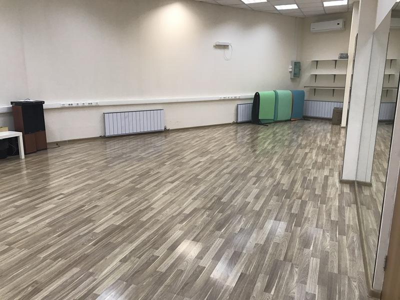 малый зал для танцев сдаем в аренду в Екатеринбурге