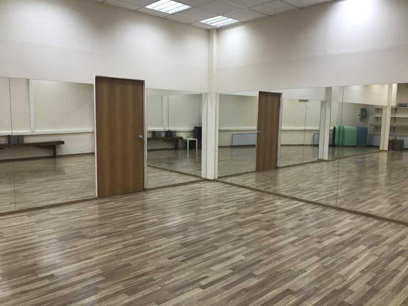 этот танцевальный зал можно арендовать в Школе Грации